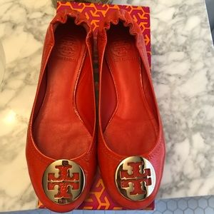 Great condition Tory Burch orange patent flats